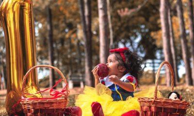 barn i kostume